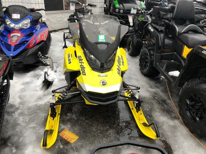 2017 Ski-Doo MXZ® X® ROTAX® 850 E-TEC® Yellow Ice Rip Photo 2 of 7