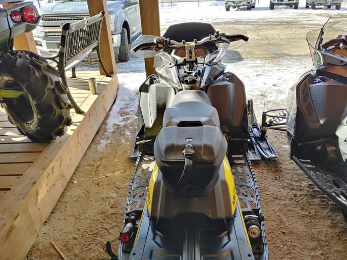 2017 Ski-Doo MXZ X 850 Photo 3 sur 4
