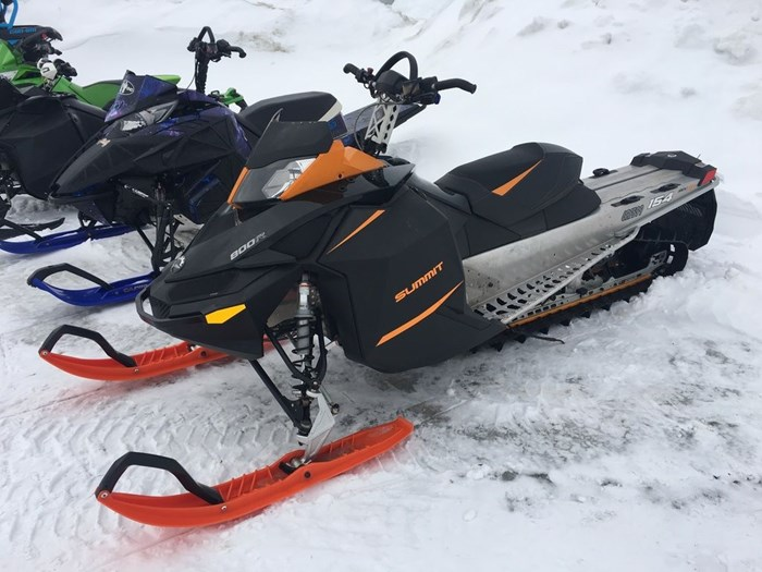 2014 Ski-Doo Summit SP 800R Photo 2 sur 3