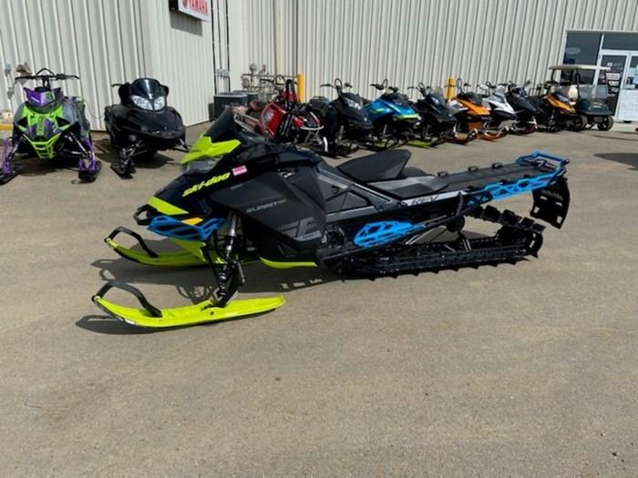 2019 Ski-Doo Summit® SP 850 E-TEC SS 165 PowderMax Li Photo 2 of 4