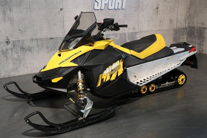 2009 Ski-Doo MXZ 600 Photo 2 sur 12