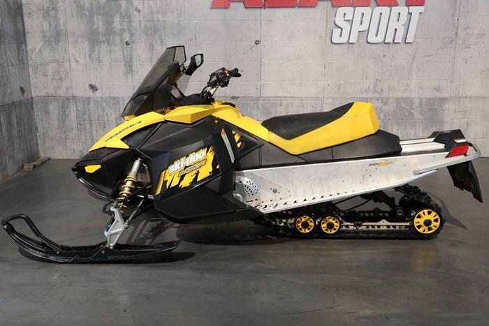 2009 Ski-Doo MXZ 600 Photo 3 sur 12