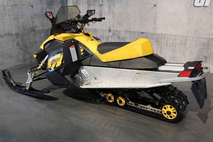 2009 Ski-Doo MXZ 600 Photo 4 sur 12