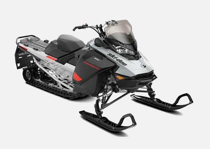 """2022 Ski-Doo Backcountry Sport 600 EFI Cobra 1.35"""" E.S. Photo 1 sur 2"""