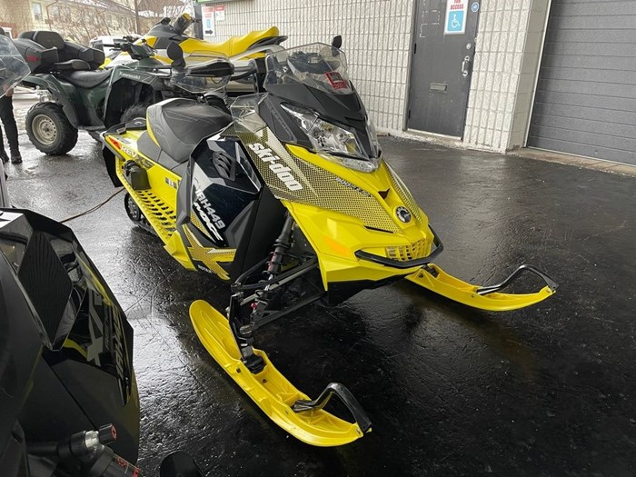 2015 Ski-Doo MXZ® X® Rotax® 800R E-TEC®-Sunburst-Yell Photo 1 of 8