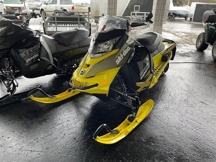 2015 Ski-Doo MXZ® X® Rotax® 800R E-TEC®-Sunburst-Yell Photo 2 of 8