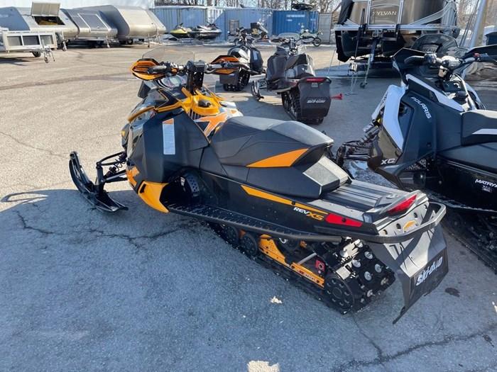 2014 Ski-Doo MX Z X 800R Photo 4 sur 8
