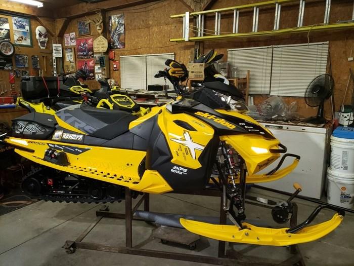 2014 Ski-Doo MX Z X-RS 800R Photo 1 sur 8