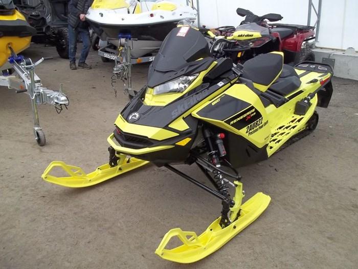 2021 Ski-Doo Renegade® X-RS® Rotax® 850 E-TEC® Adj. K Photo 3 of 7