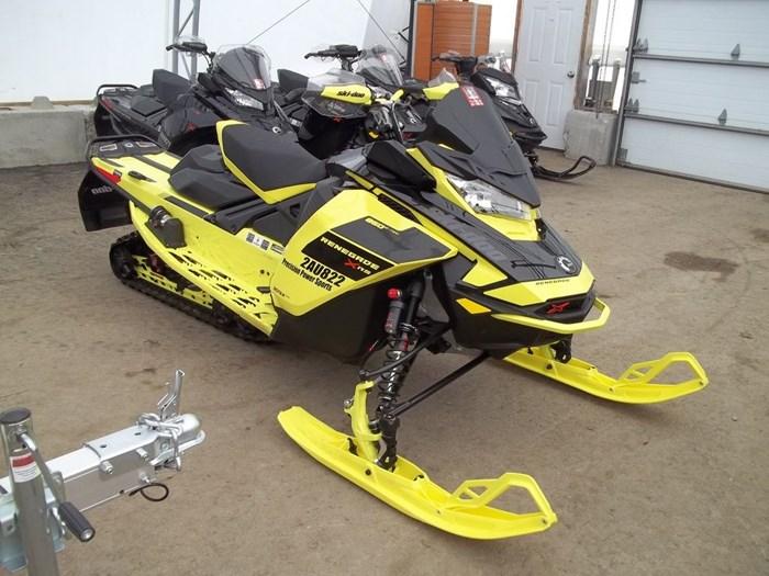 2021 Ski-Doo Renegade® X-RS® Rotax® 850 E-TEC® Adj. K Photo 4 of 7
