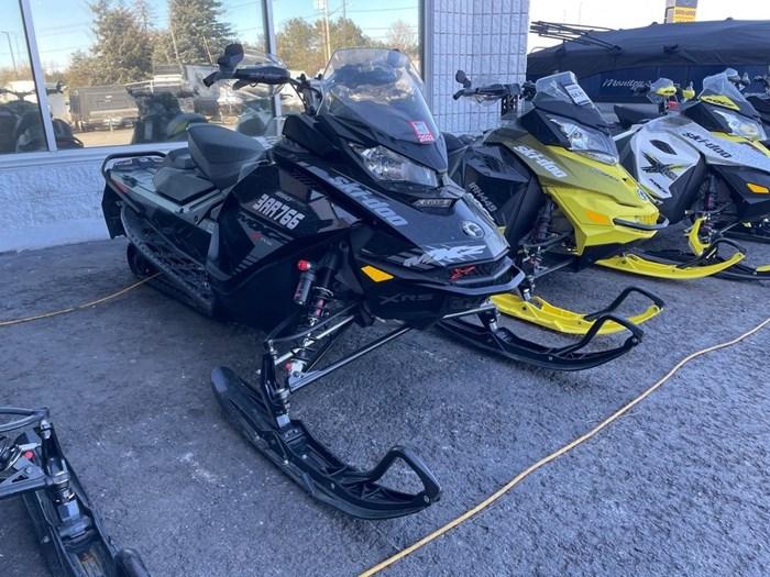 2019 Ski-Doo MXZ® X-RS® 850 E-TEC Ice Ripper XT 1.25 Photo 1 sur 8