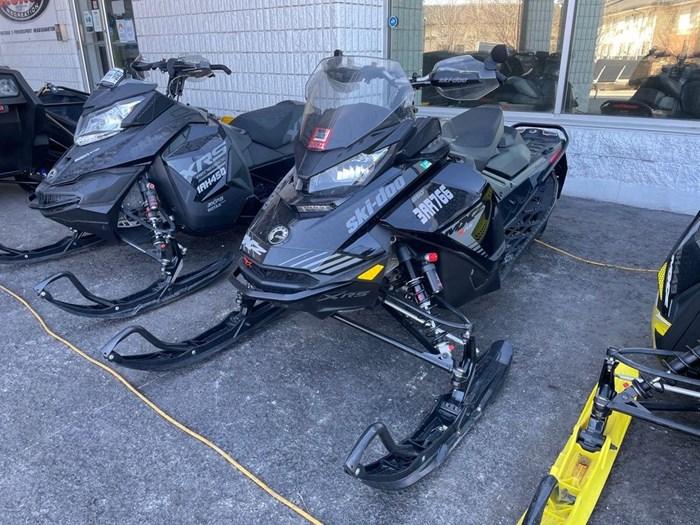2019 Ski-Doo MXZ® X-RS® 850 E-TEC Ice Ripper XT 1.25 Photo 3 sur 8