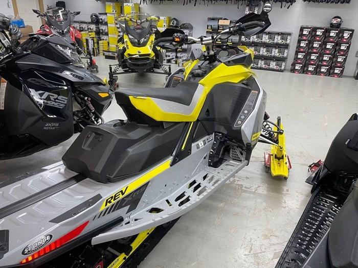 2019 Ski-Doo MXZ® X-RS® 850 E-TEC Ice Ripper XT 1.25 Photo 5 sur 8
