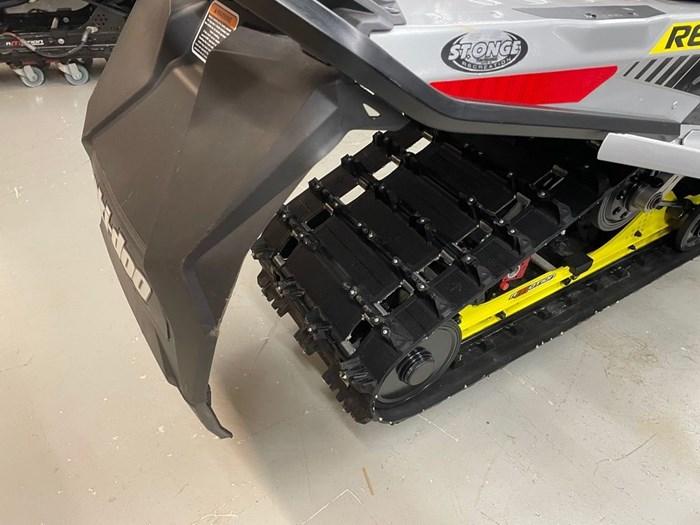 2019 Ski-Doo MXZ® X-RS® 850 E-TEC Ice Ripper XT 1.25 Photo 6 sur 8