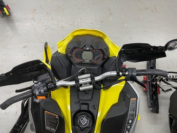 2019 Ski-Doo MXZ® X-RS® 850 E-TEC Ice Ripper XT 1.25 Photo 8 sur 8