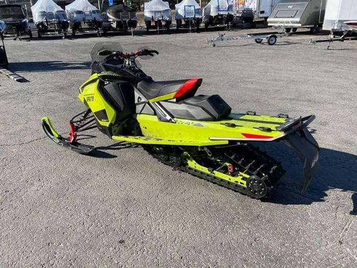 2020 Ski-Doo Renegade® X Rotax® 850 E-TEC® Ice Ripper Photo 4 of 8
