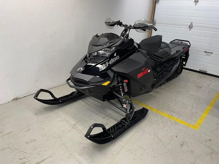 2021 Ski-Doo Backcountry™ X-RS® Rotax® 850 E-TEC® 146 Photo 3 of 10