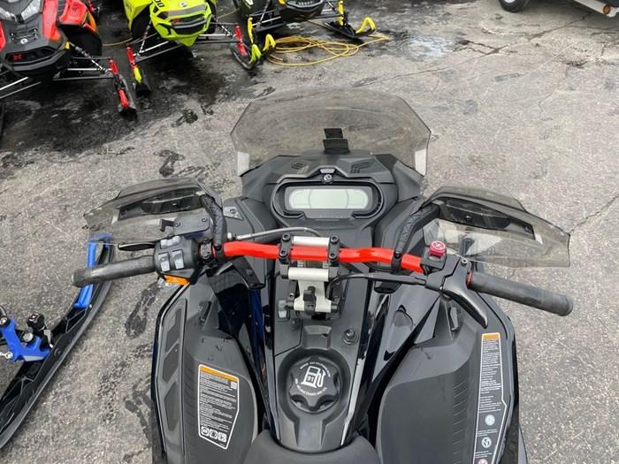 2020 Ski-Doo Renegade® X Rotax® 850 E-TEC® Ad. Pkg Ic Photo 8 sur 8