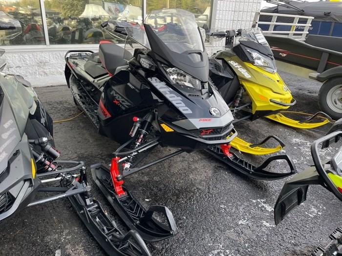 2020 Ski-Doo MXZ® X-RS® Rotax® 850 E-TEC® Ice R. XT 1 Photo 1 of 8