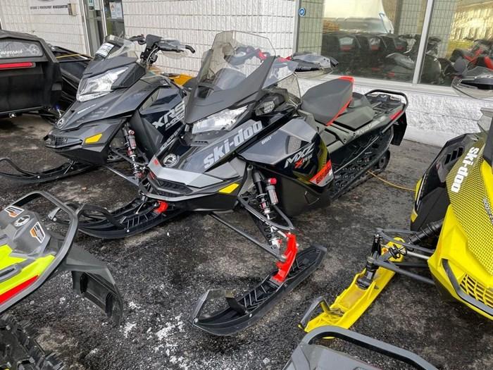 2020 Ski-Doo MXZ® X-RS® Rotax® 850 E-TEC® Ice R. XT 1 Photo 3 of 8