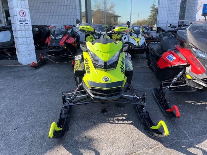 2018 Ski-Doo Renegade® X® Ripsaw 1.25 Rotax® 850 E-TE Photo 2 of 8