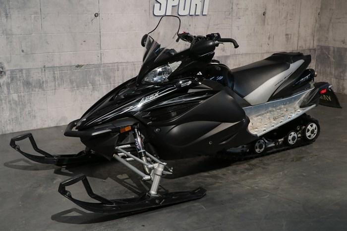 2011 Yamaha Apex SE Photo 2 of 10