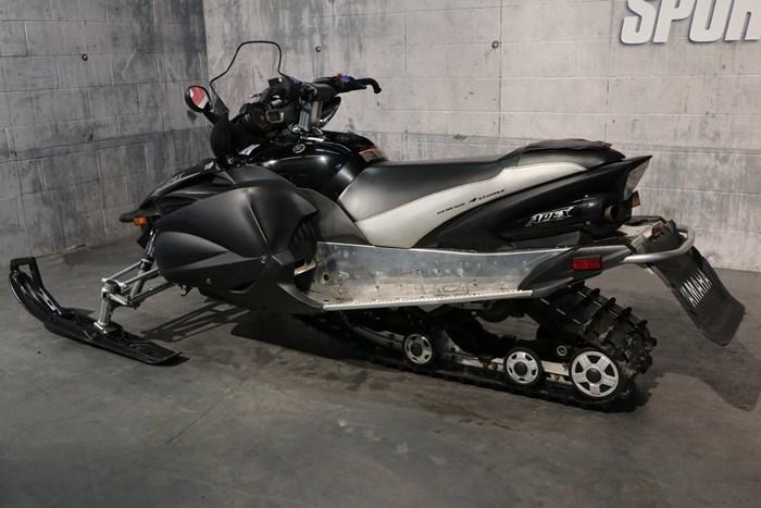 2011 Yamaha Apex SE Photo 4 of 10