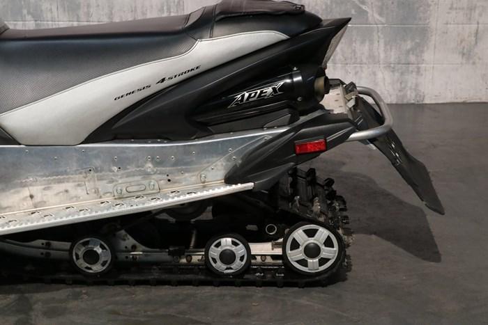 2011 Yamaha Apex SE Photo 9 of 10