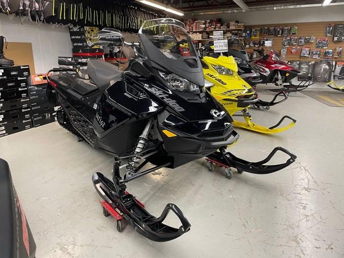 2021 Ski-Doo Renegade® Adrenaline Rotax® 850 E-TEC® B Photo 1 of 8