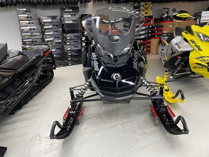 2021 Ski-Doo Renegade® Adrenaline Rotax® 850 E-TEC® B Photo 2 of 8