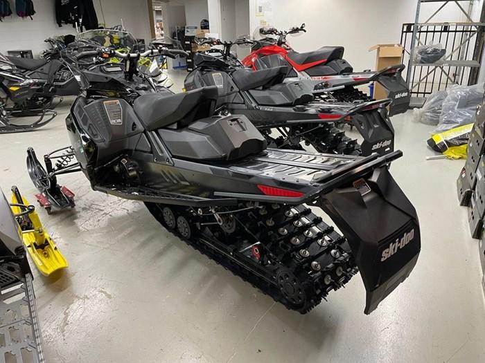 2021 Ski-Doo Renegade® Adrenaline Rotax® 850 E-TEC® B Photo 4 of 8