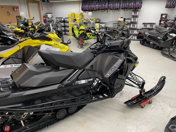 2021 Ski-Doo Renegade® Adrenaline Rotax® 850 E-TEC® B Photo 5 of 8