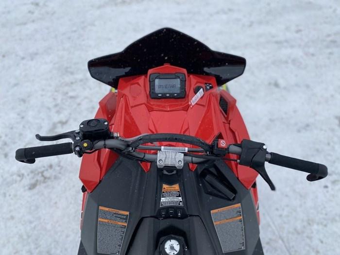 2021 Polaris 850 PRO RMK 155 Photo 15 sur 18